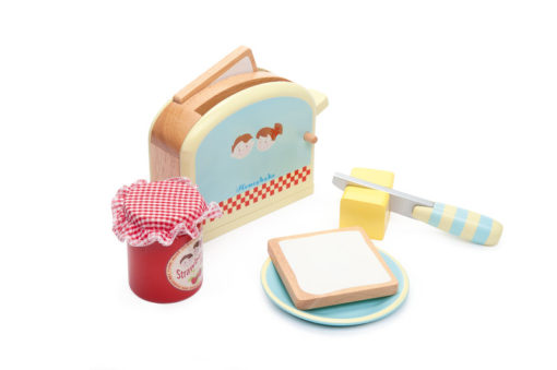 Wooden toaster set by le toy van